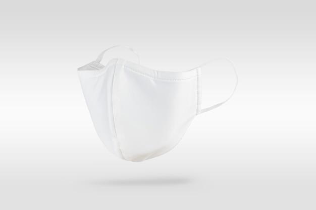 Biała Maska Z Materiału W Kolorze Złamanej Bieli Darmowe Zdjęcia