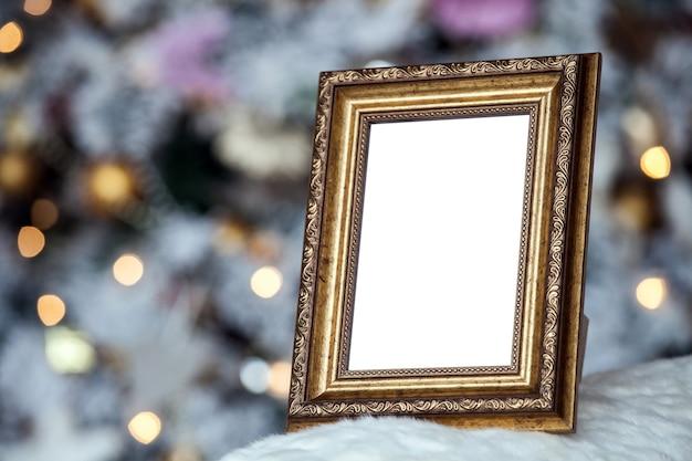 Biała Pusta Ramka Na Zdjęcia Na Kominku Premium Zdjęcia