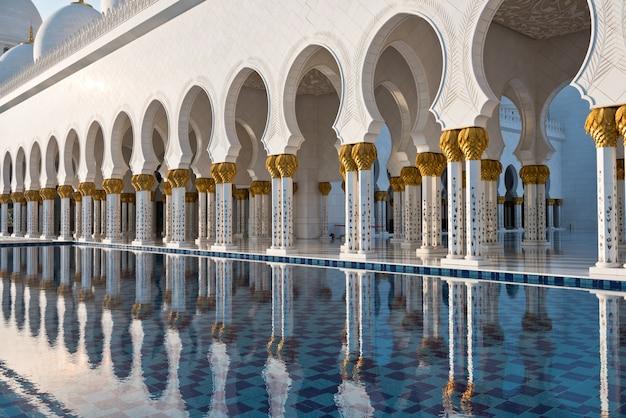 Biały Meczet Szejka Zayeda W Abu Zabi Premium Zdjęcia