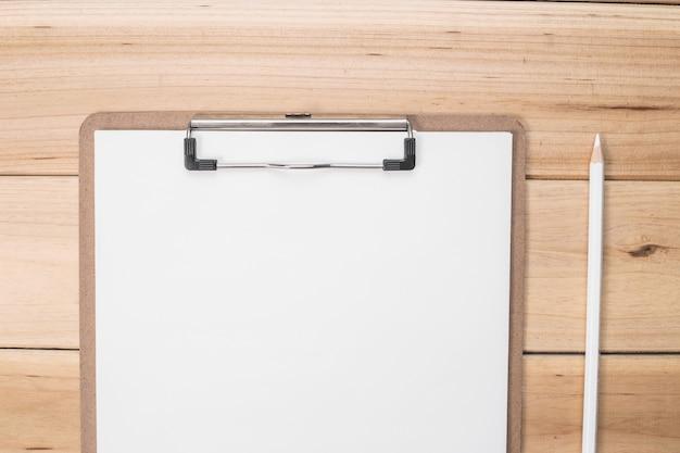 Biały Ołówek Z Listy Kontrolnej Darmowe Zdjęcia