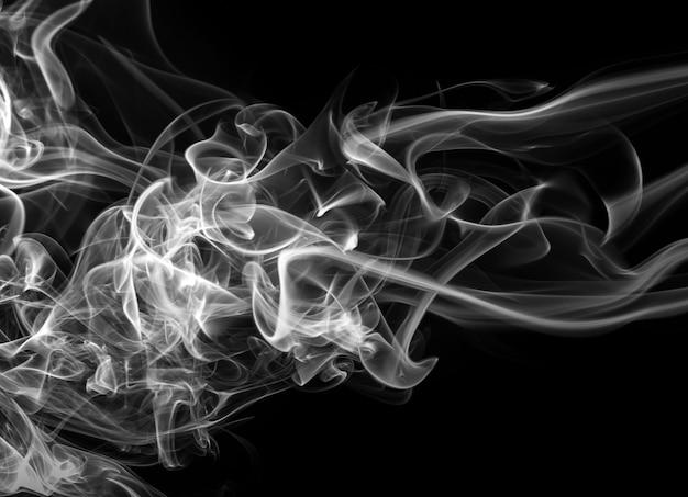 Bielu Dymny Abstrakt Na Czarnym Tle, Ciemności Pojęcie Premium Zdjęcia