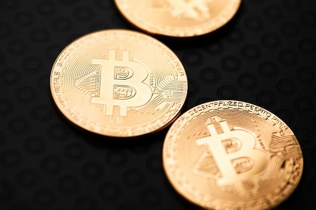 Bitcoiny i wirtualne pieniądze. Premium Zdjęcia