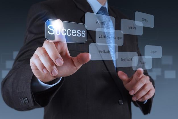 Biznesmen ręka wskazuje sukcesu diagram Premium Zdjęcia