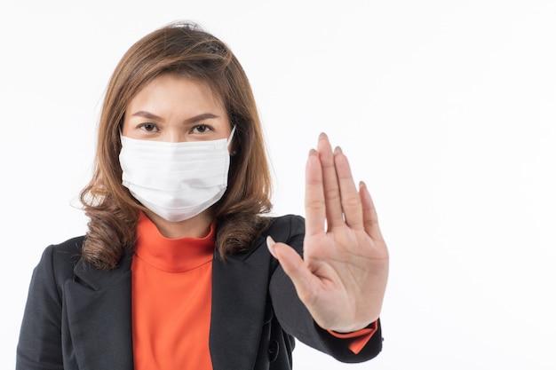 Biznesowa Kobieta Jest Ubranym Maskę Robi Zaprzeczenie Gestowi W Kostiumu Premium Zdjęcia