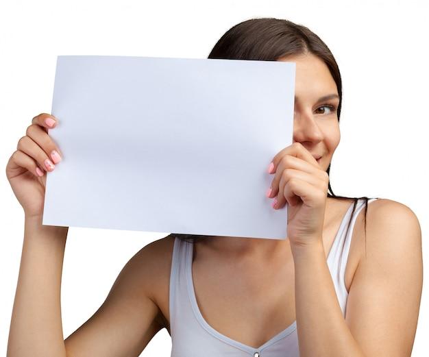 Biznesowa kobieta trzyma sztandar Premium Zdjęcia