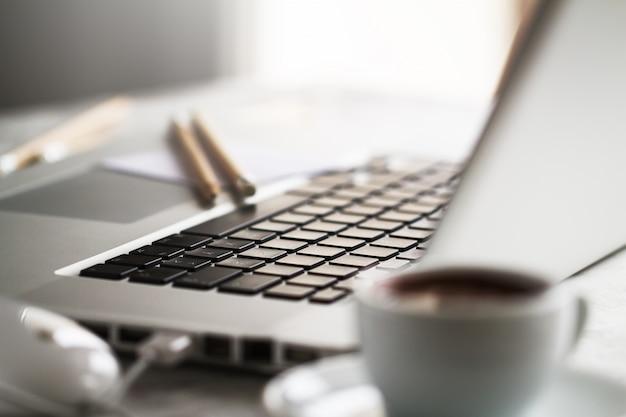 Blisko Tabeli Technologii Notebook Otwarty Darmowe Zdjęcia