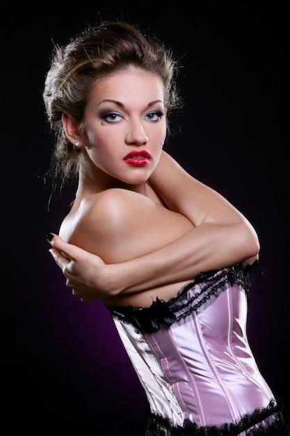 Blond Model W Różowym Biustonoszu Darmowe Zdjęcia