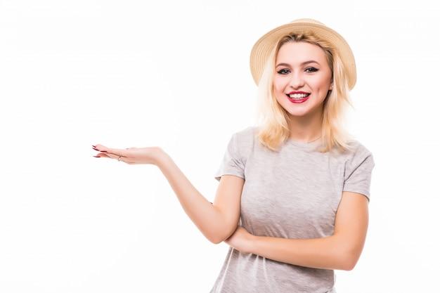 Blondynka W Retrohat Trzyma Prawą Rękę W Powietrzu Darmowe Zdjęcia