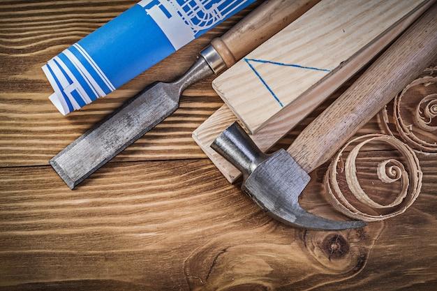 Blue Blueprint Claw Hammer Flat Dłuto Drewniane Szpilki Wióry Na Premium Zdjęcia