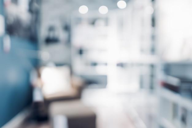 Blur fotel w salonie w nowoczesnym niebieskim domu Premium Zdjęcia