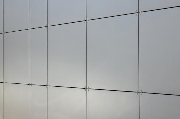 Błyszczące Gładkie Czyste Szare Kwadratowe Płytki Na ścianie Premium Zdjęcia