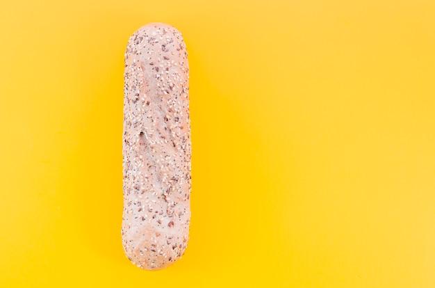 Bochenek Chleba Z Kolorem Tła Darmowe Zdjęcia