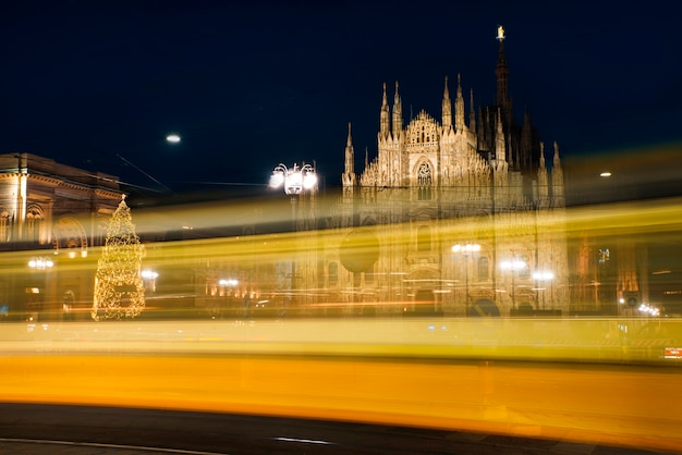 Boże Narodzenie I Nowy Rok W Duomo W Mediolanie Premium Zdjęcia