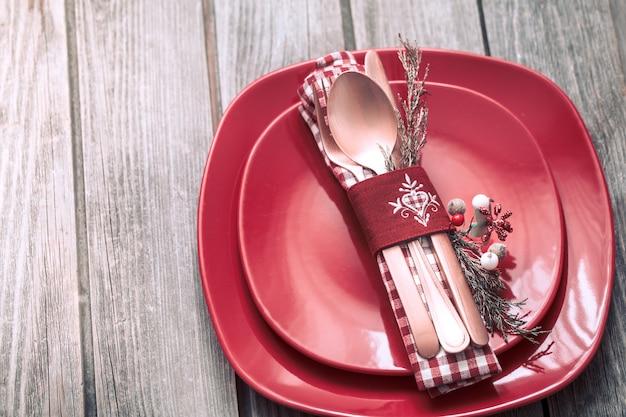 Boże Narodzenie Obiad Sztućce Z Wystrojem Na Drewnianym Tle Darmowe Zdjęcia