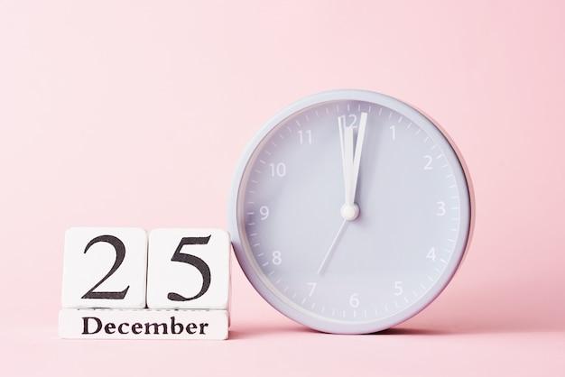 Boże Narodzenie Z Budzikiem Na Różowo Premium Zdjęcia