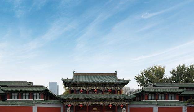 Brama Starożytnej Architektury Chińskiej W Taiyuan W Prowincji Shanxi W Chinach Premium Zdjęcia