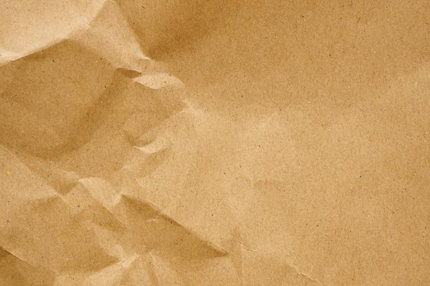 Brązowy Zmięty Papier Z Recyklingu Kraft Arkusz Tekstury Tła Premium Zdjęcia