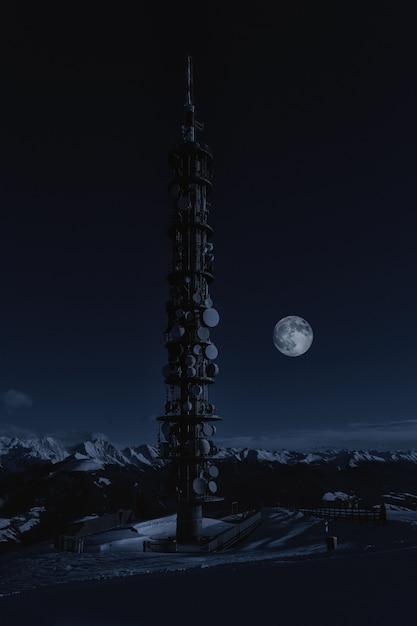 Brown Anime Show Tower Darmowe Zdjęcia