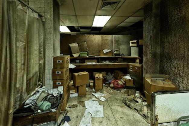 Brudny Opuszczony Pokój W Szpitalu Psychiatrycznym Darmowe Zdjęcia