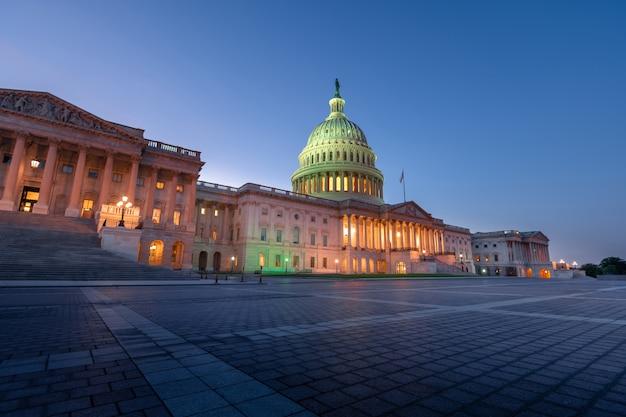 Budynek Kapitolu Stanów Zjednoczonych W Waszyngtonie, Stany Zjednoczone Ameryki Premium Zdjęcia