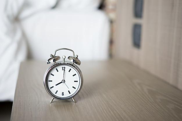 Budzik O 8 Rano. Obudzić Się Premium Zdjęcia
