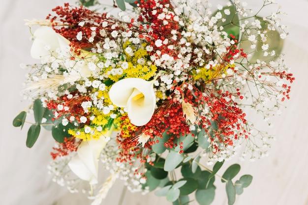 Bukiet ślubny Z Kwiatów Darmowe Zdjęcia