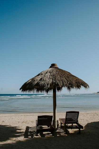 Bungalowy Od Strony Plaży Premium Zdjęcia
