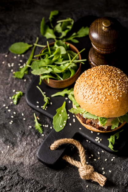 Burger Wołowy Z Surówką Darmowe Zdjęcia