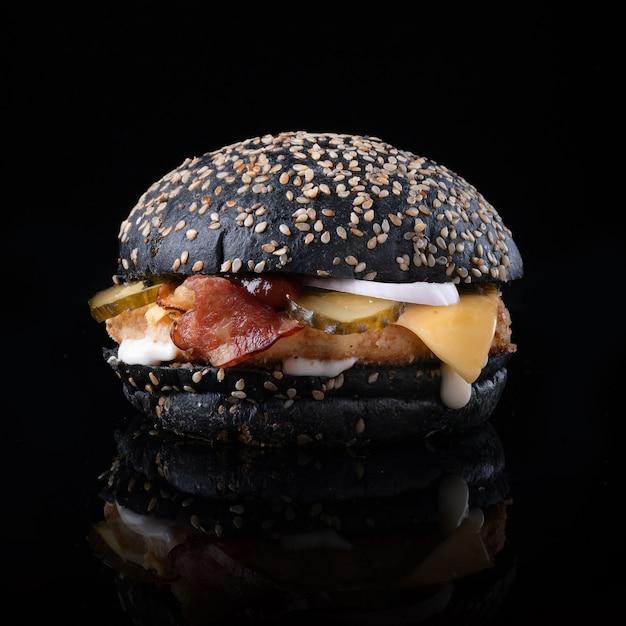 Burger Z Serem I Sałatą Darmowe Zdjęcia