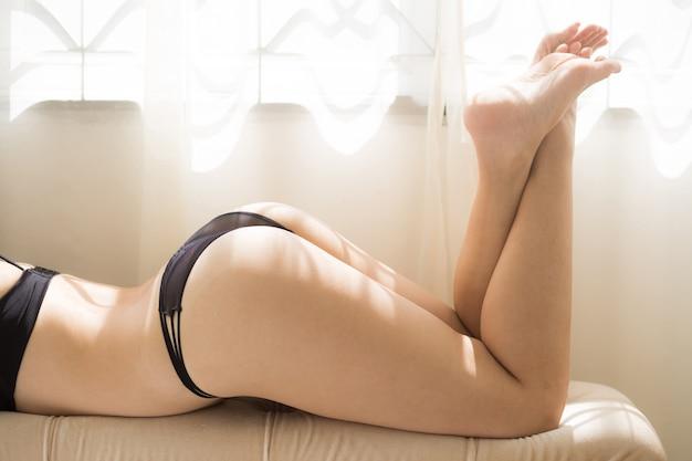 Butt Całkiem Fioletowy Stringi Premium Zdjęcia