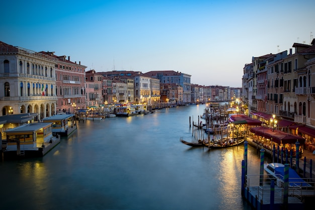 Canal Grande W Nocy, Wenecja Premium Zdjęcia