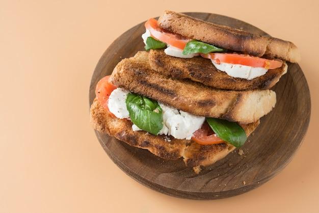Caprese Panini Sandwich Zdrowa Kanapka Premium Zdjęcia