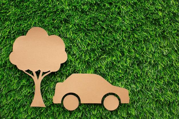 Cartoon Samochodu I Drzewa W Trawie Darmowe Zdjęcia