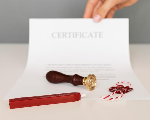 Certyfikat Z Pieczęcią Lakową I świecą Premium Zdjęcia