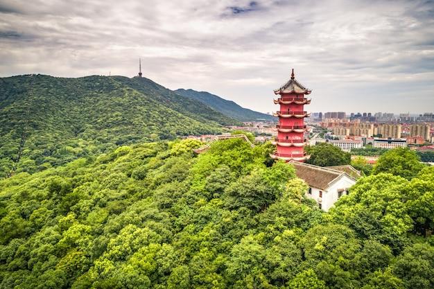 Chińska Stara Wieża Na Górze Darmowe Zdjęcia