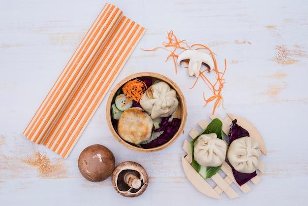 Chiński Parze Dimsum W Tradycyjnej Kuchni Pojemniki