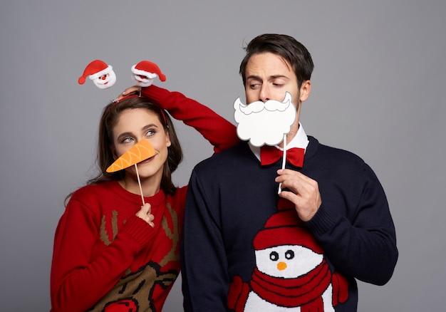 Chłopak I Dziewczyna W świątecznych Maskach Darmowe Zdjęcia