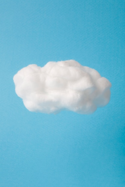 Chmura Wykonana Z Waty Na Niebie Premium Zdjęcia