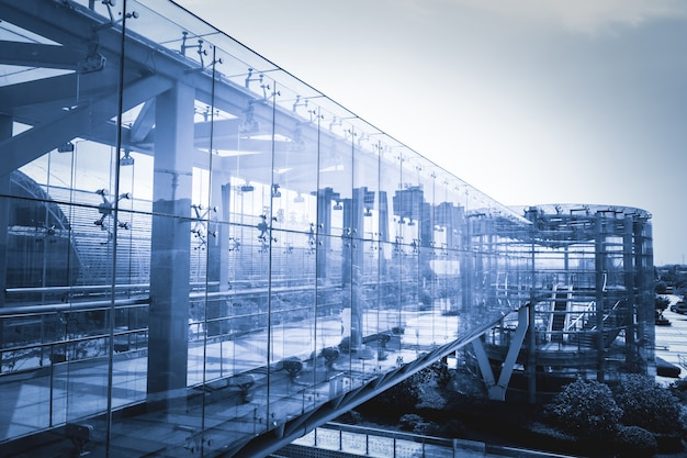 Chodnik z szklane ściany Darmowe Zdjęcia