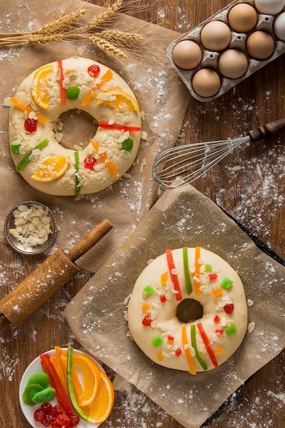 Ciasta Z Płaskorzeźbami Roscon De Reyes Darmowe Zdjęcia