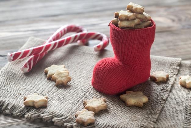 Ciasteczka Maślane W świątecznej Skarpecie Premium Zdjęcia