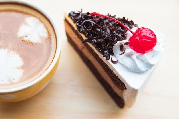 Ciasto czekoladowe z filiżanką kawy Darmowe Zdjęcia