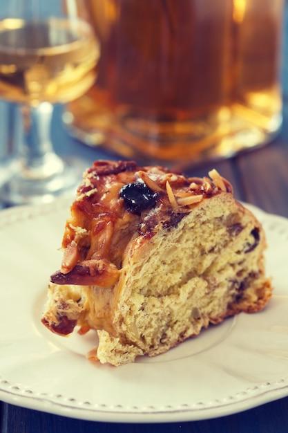 Ciasto Z Suszonymi Owocami I Winem Premium Zdjęcia