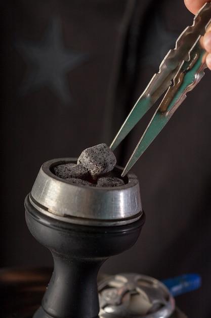 Ciemny dym fajki wodnej Premium Zdjęcia