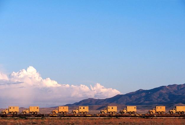 Ciężarówki Z Platformami Do Transportu Ciężarówek, Arizona Premium Zdjęcia
