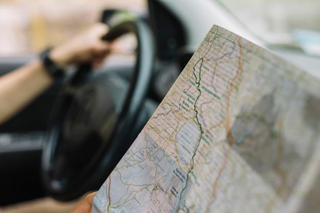 Co pilot z mapą w samochodzie Darmowe Zdjęcia