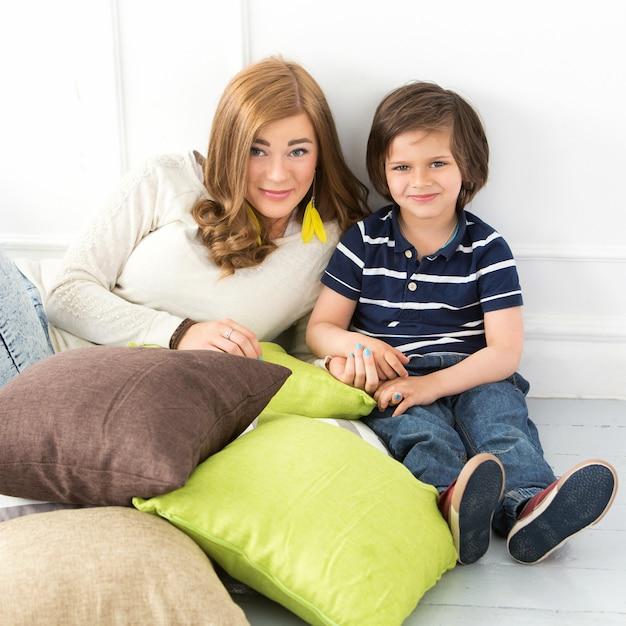 Cudowne dziecko z matką Darmowe Zdjęcia