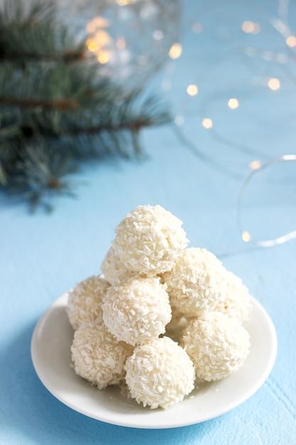 Cukierki Kokosowe Z Białą Czekoladą Premium Zdjęcia