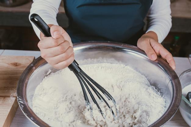 Cukierkowa Dziewczyna W Kuchni. Darmowe Zdjęcia