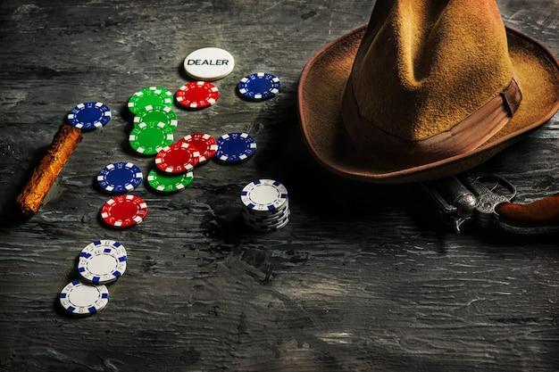 Cygaro, żetony Do Gier Hazardowych, Napoje I Karty Do Gry Darmowe Zdjęcia